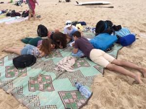 integracja na plaży w pobliżu Gazy